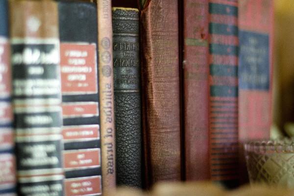 Come scegliere una libreria di lusso per la propria casa